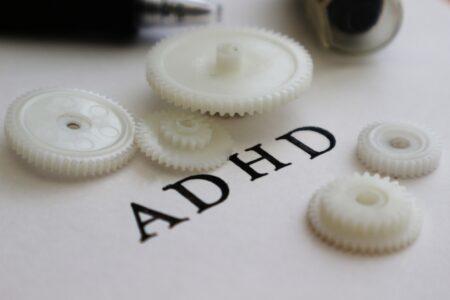 教室にいられない…ADHDグレーゾーンの子どもへの正しい対応とは?